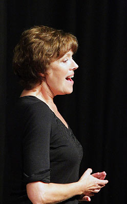 Mary-Coffield-soprano-singer